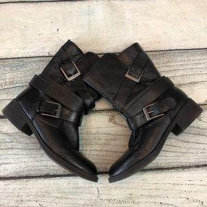 Steve Madden Ellle black moto buckles short boots